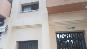 Solución tubos de agua en fachada